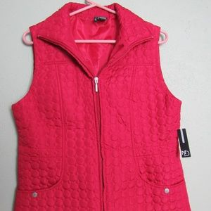 New Directions Woman's Red Puffy Vest NWT Large